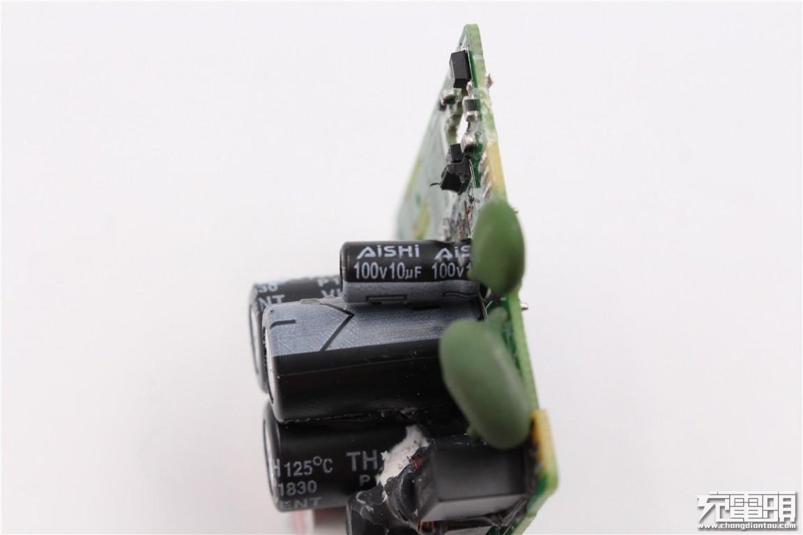 华为40W SuperCharge超级快充充电器HW-100400C00拆解报告-充电头网