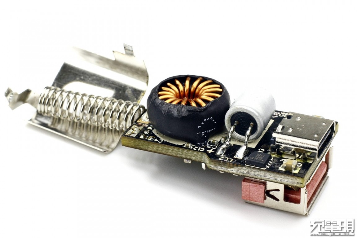 ROCK洛克30W QC4+双口车载充电器SC-G03拆解-充电头网