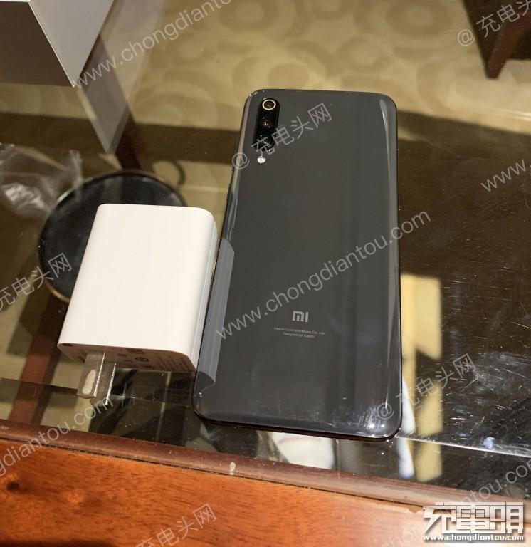 英集芯方案助力小米9手机实现27W极速快充-充电头网