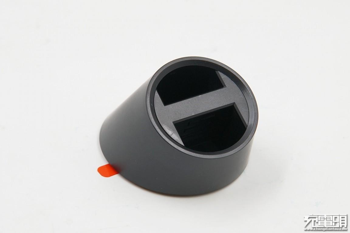 谁更值得买?小米与紫米车载无线充拆解对比