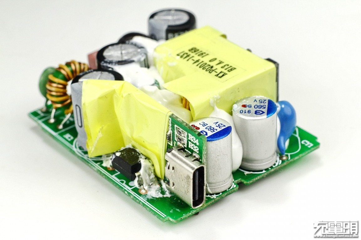 努比亚红魔30W USB PD PPS充电器拆解-充电头网