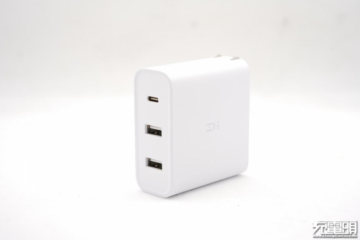 65W 2C1A桌面充电器和65W 2A1C旅行充电器哪个好?紫米HA932和紫米HA832区别-充电头网