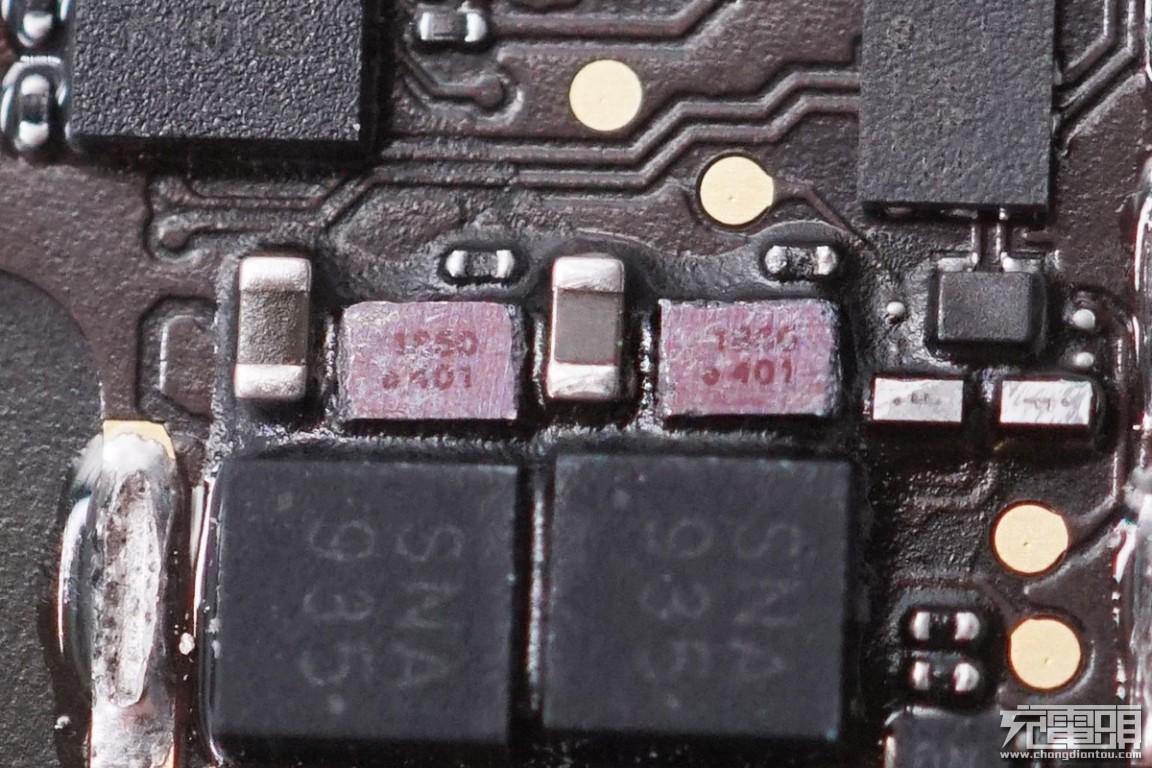 拆解报告:iPhone 11 Pro Max Smart Battery Case智能电池壳(A2180)-充电头网