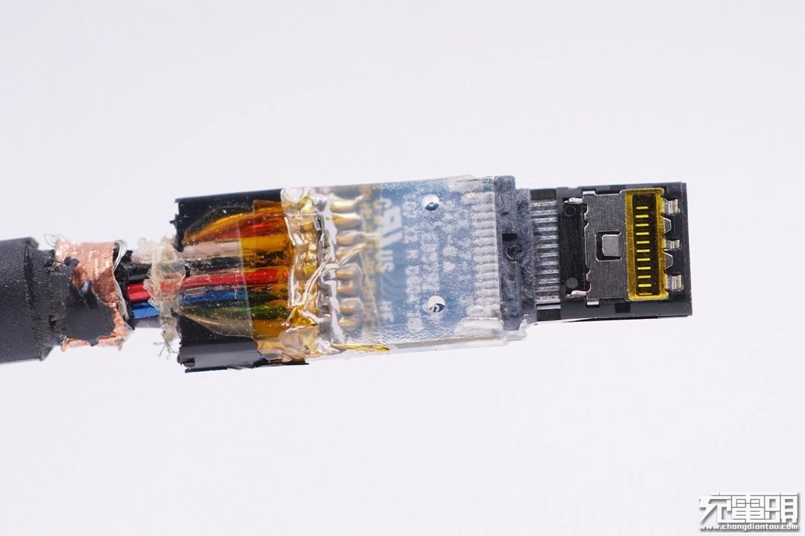 拆解报告:UGREEN绿联40Gbps Thunderbolt 3(雷电3)数据线-充电头网