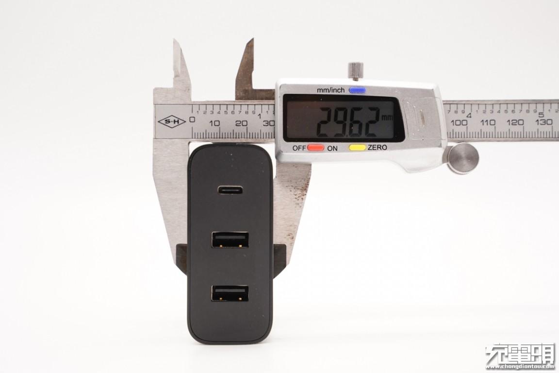 拆解报告:ZMI紫米65W 2A1C三口快充充电器HA835-充电头网