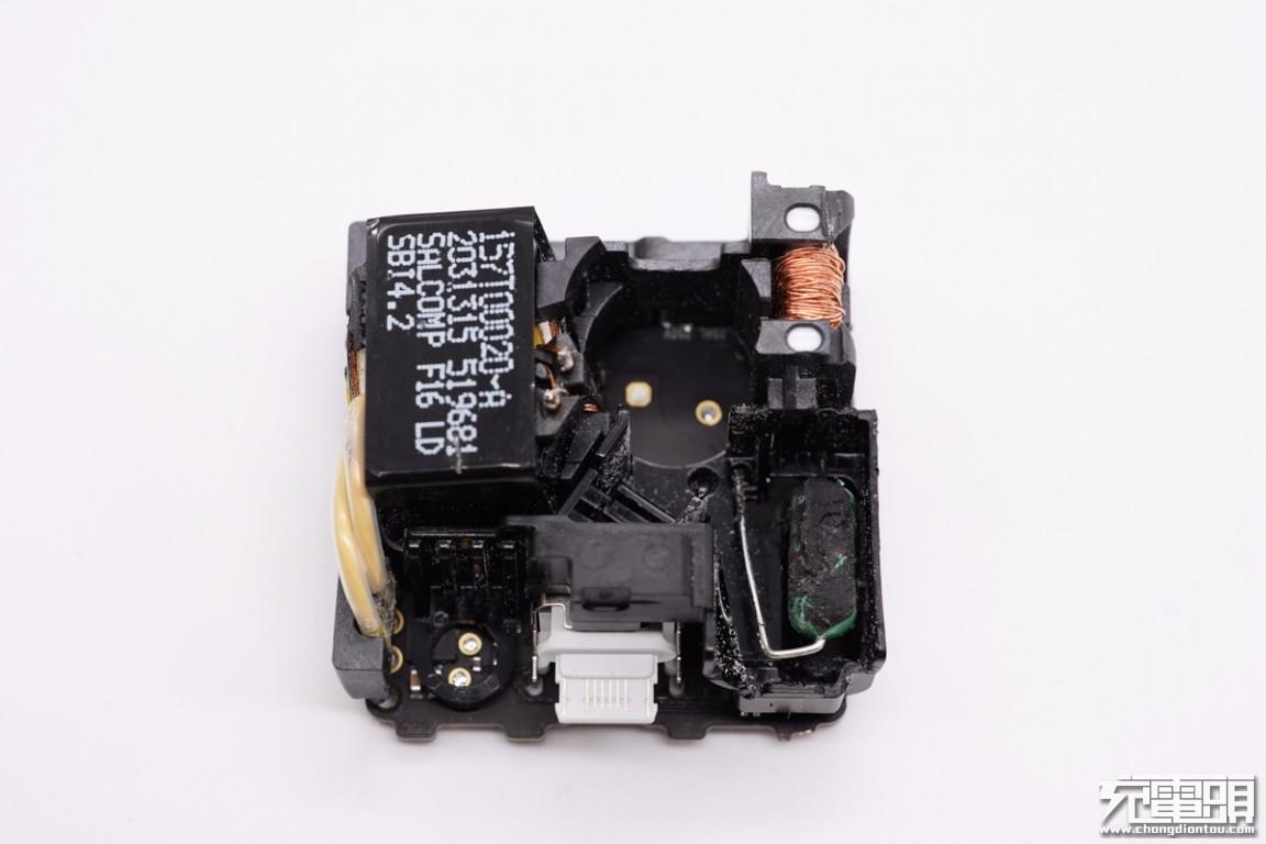 苹果原装20W PD快充拆解插图17
