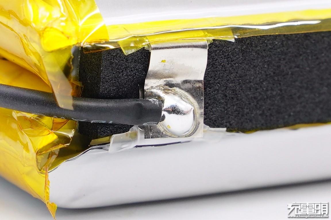 拆解报告:TECLAST台电20000mAh X系列卡片快充移动电源-充电头网