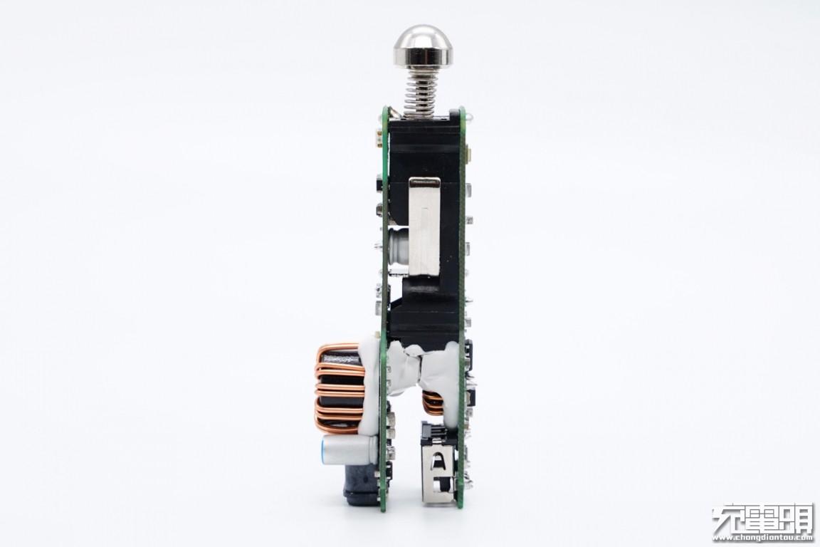 拆解报告:SAMSUNG三星45W 1A1C快充车充EP-L5300-充电头网