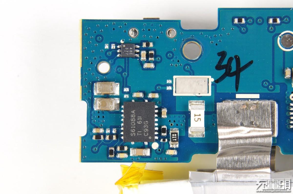 小米10000mAh高配套装版支持QC3.0 FCP Apple移动电源:评测、拆解、购买、图片、口碑-充电头网