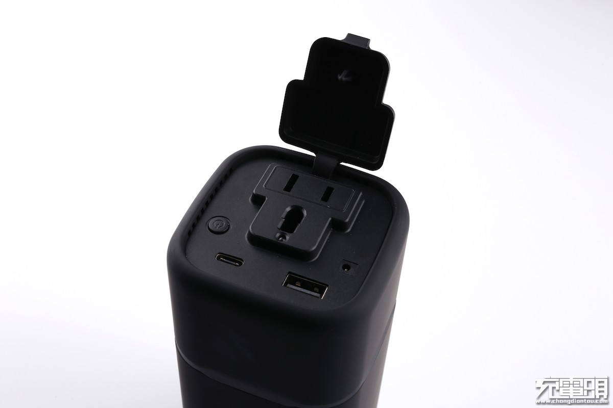 RAVPower 65W&100W逆变输出移动电源开箱-充电头网