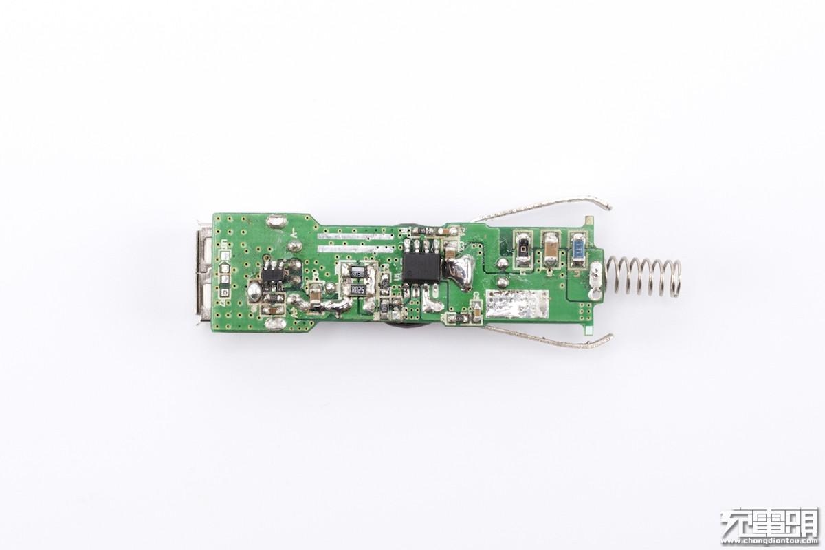 SegmaPower发布SP3413车充降压芯片:耐压高达42V-充电头网