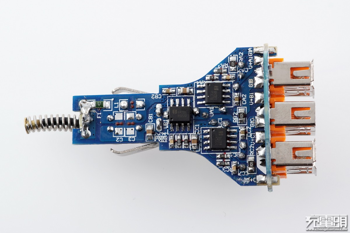 IBD新品三口车充拆解-充电头网