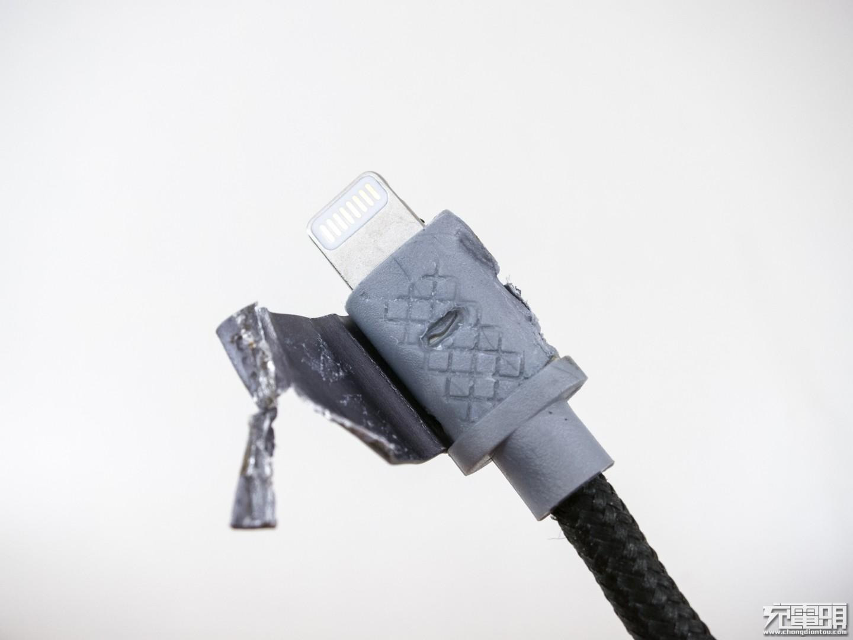 JDB  MFi认证数据线拆解-充电头网