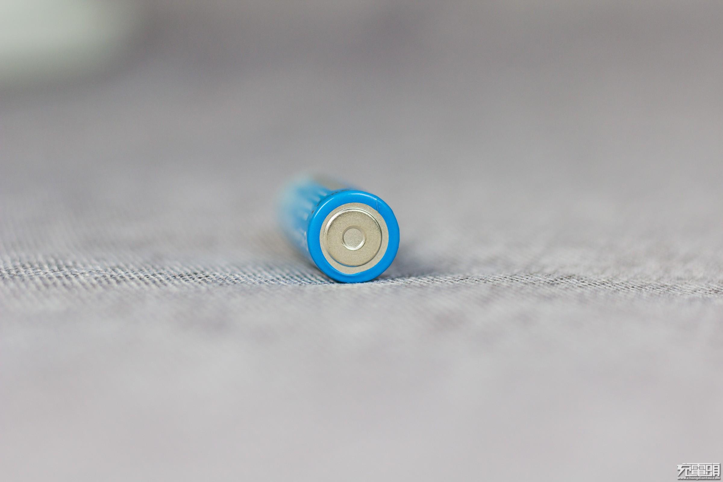 或是最漂亮、最耐用的干电池?耐时锂铁耐力干电池晒单-充电头网