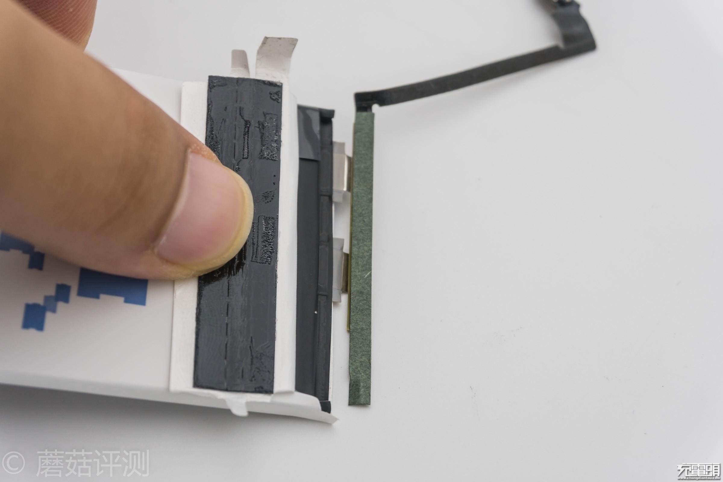 5_20170908_iPhone电池横评,IC板.jpg