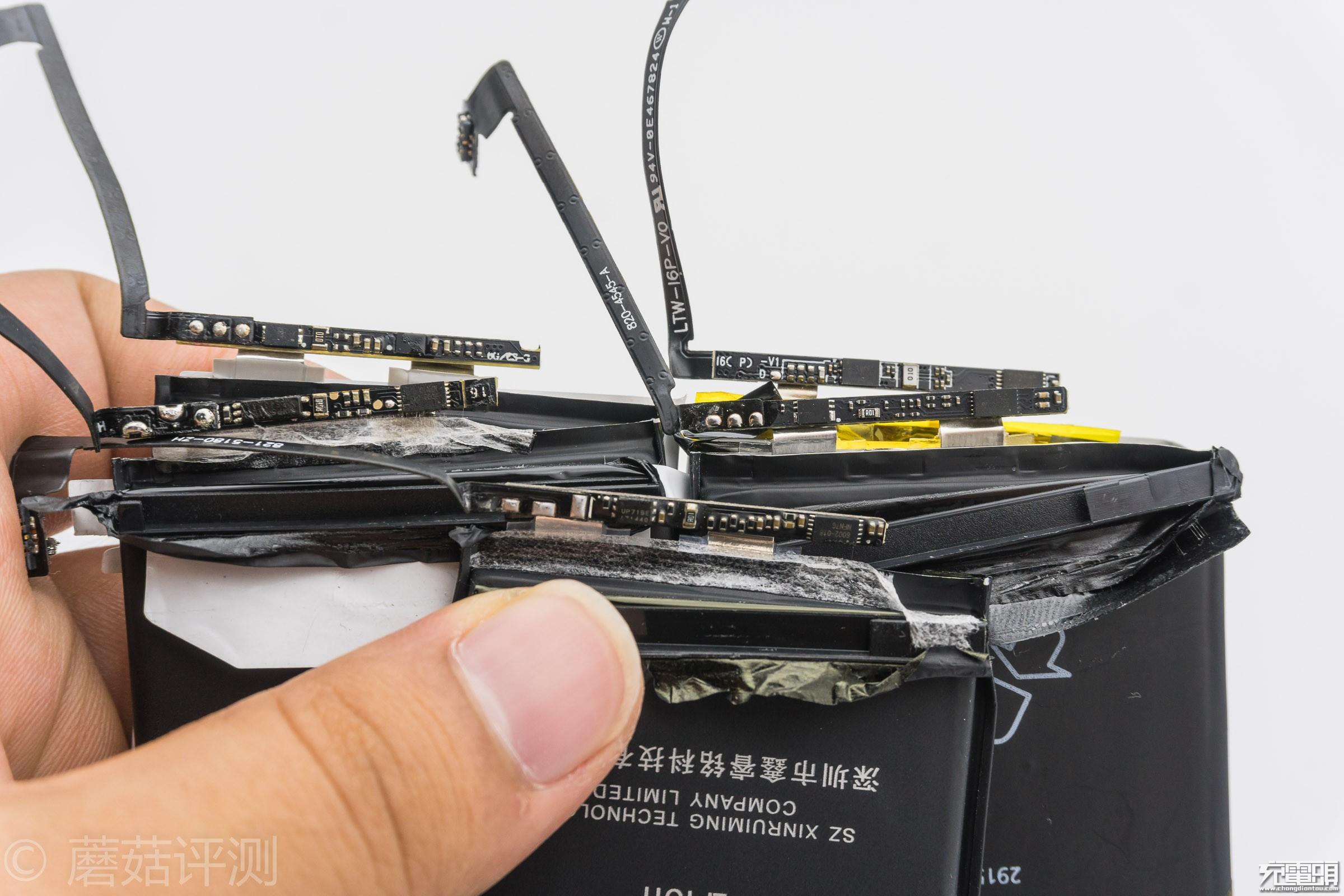 40_20170908_iPhone电池横评,IC板.jpg