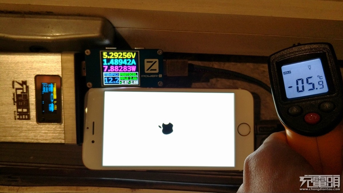 换电池满血复活!实操iphone 6S更换华严苛高容量电池-充电头网