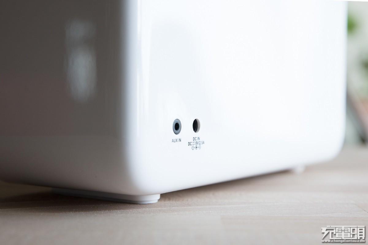 充电口与AUX.jpg