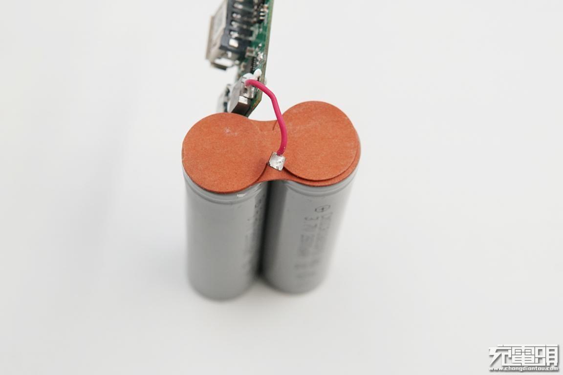 RAVPower移动电源拆解,型号RP-PB070-BK-充电头网