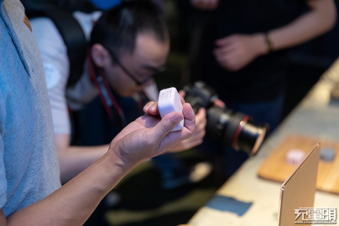 充电头网在现场:2019 UIBI柚比品牌发布会圆满举行-充电头网