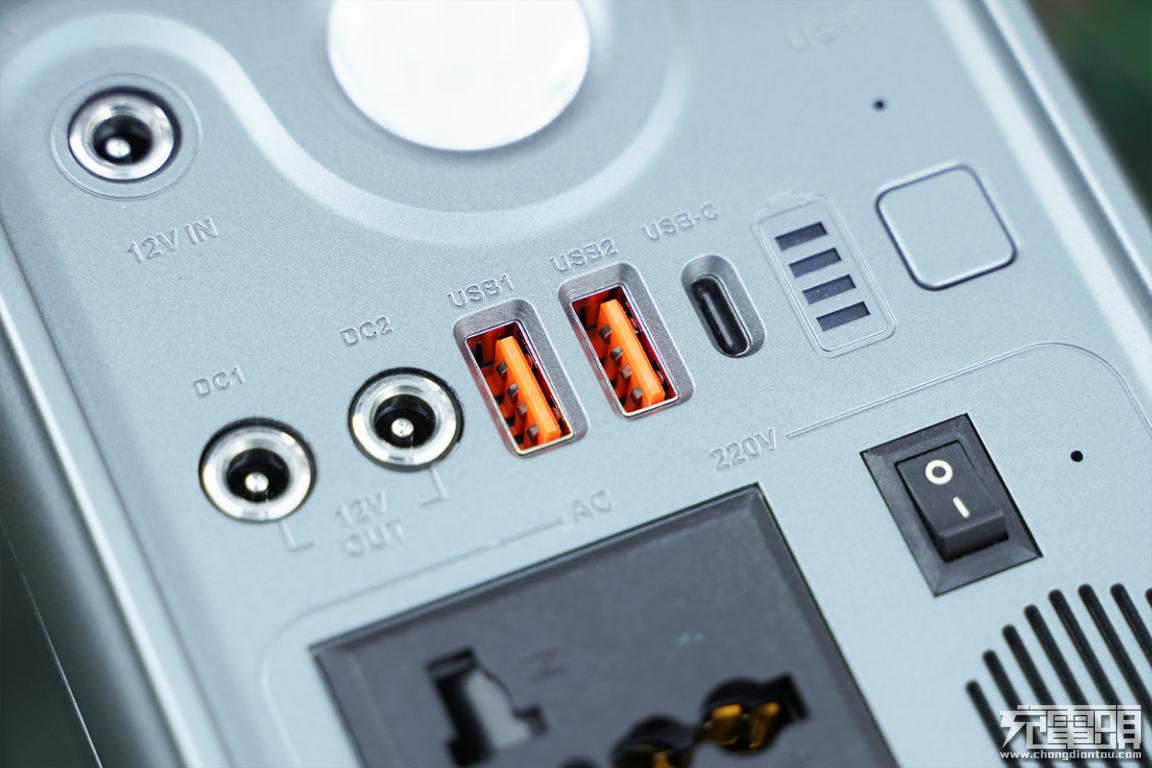 特斯拉同类型无钴电芯,300W+65W双向PD,羽博EN300WLPD户外电源评测-充电头网
